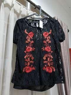 Atasan hitam cantik lace renda sexy floral merah top all size masih ada price tag