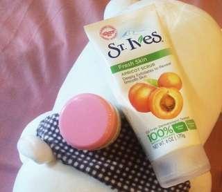 Scrub wajah st ives apricot