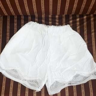 Laced white shorts
