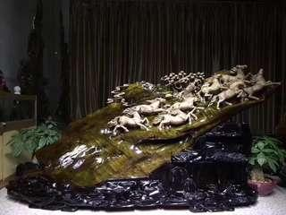 Golden thread cedar wood 8 horses sculpture