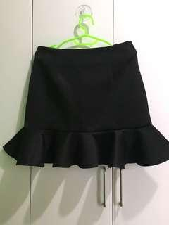 Black skirt with a FREE top!