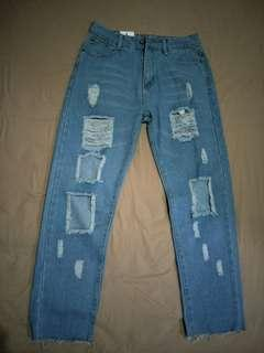 Ripped destroy jeans