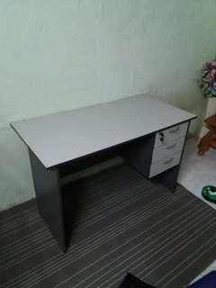 Computer Laptop Table Desk Meja
