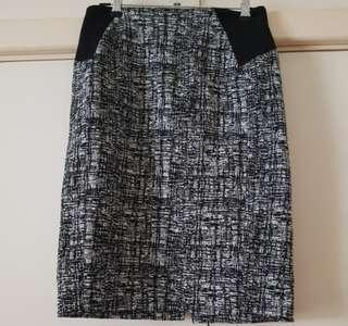 SABA black and white pencil skirt size 6-8