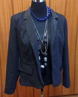 Coat/blazer(size 14)