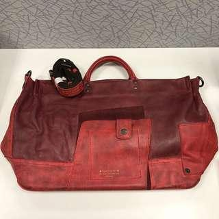 (大割價七折出售 - 之前價格 $1280)Blackyard 紅色大袋