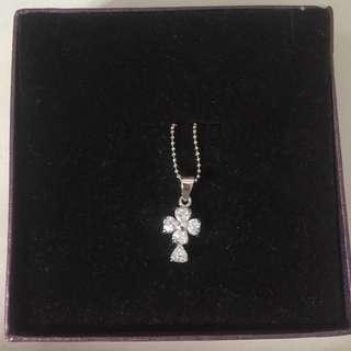 Four leaf clover silver necklace