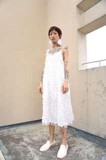 🚚 雪白羽毛流蘇洋裝