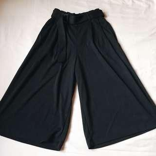 UNIQLO Belted D-Ring Culottes