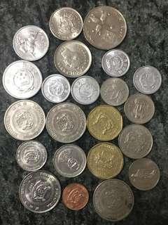 錢幣22個 包括中國 新加坡 等