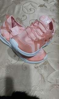 🚚 一降再降!原購入價980買大了!全新粉膚色果凍鞋(37-38)偏大