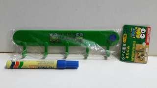 全新 1993年 SANRIO 日本版 KEROKEROKEROPPI 青蛙仔 什物掛鈎架 一款 (P)
