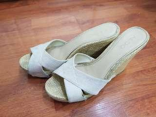 Aldo Cream Wedge 8.5
