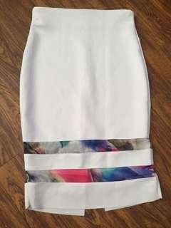 SM woman white skirt small