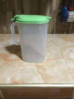 Plastic pitcher slim