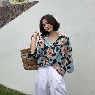 [PO] Floral V-Neck Blouse