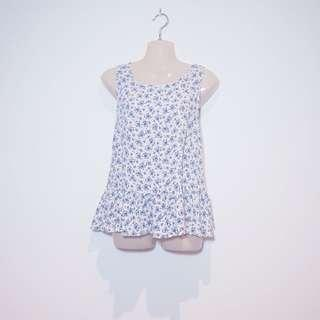 COCOLATTE - Size 8 - White and Blue Floral Frill Tank