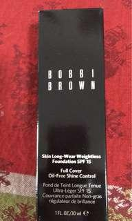 Bobbi Brown Skin Long Wear Weightless Foundation in Porcelain