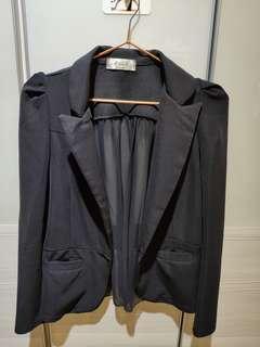 🚚 造型西裝外套(後面是雪紡唷)