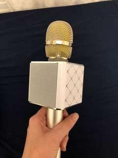 Wireless Microphone & Hifi Speaker (Q7)