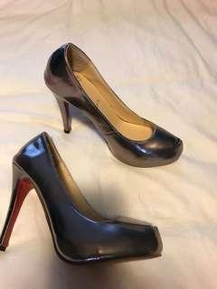 Red bottom heels size 39