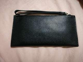 Handy long black wallet with external mobile phone/tissue slot