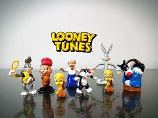 Looney Tunes Figures (Tweety, Bugs Bunny, Sylvester, Elmer Fudd, Grandma)
