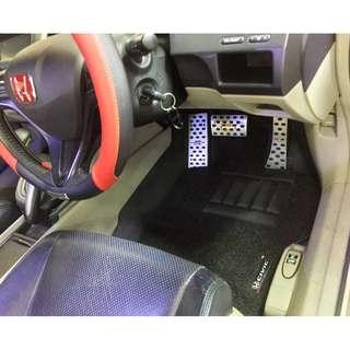 AVAILABLE FOR ALL HONDA CIVIC OEM FITMENT CAR FLOOR MAT..FRONT DRIVER/PAX & REAR PASSENGER BLACK PVC 03 PCS COLOR AVAILABLE - RED, GREY ,BEIGE ,BROWN & BLUE ..PLS LET ME KNOW YEAR MODEL OF YOUR CIVIC..