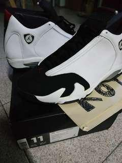 Nike Air Jordan 14 black toe