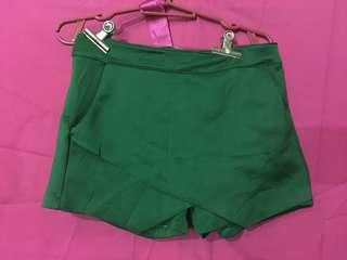 FREE SHIPPING(MM) Green Shorts
