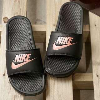 INSTOCK Authentic Nike Benassi Sliders Womens