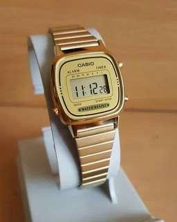 CASIO LA670 GOLD