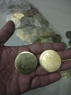 Koin antik kuningan