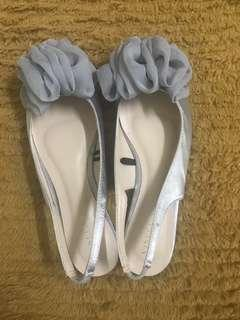 Point shoes