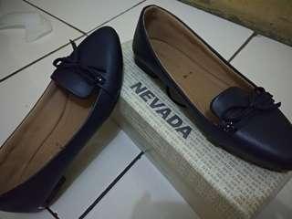 Sepatu Nevada | warna navy