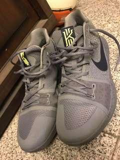 Kyrie Irving 3代