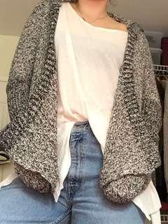 Knitted cardigan with hood