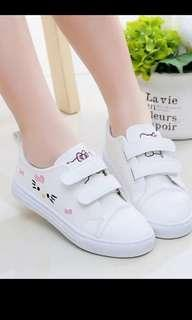 (New and Unused) Hello Kitty Children Girl Shoes (Size 33)