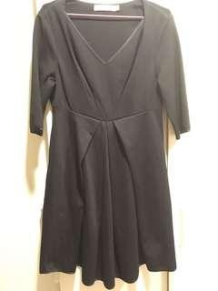 半長袖修飾洋裝(黑)