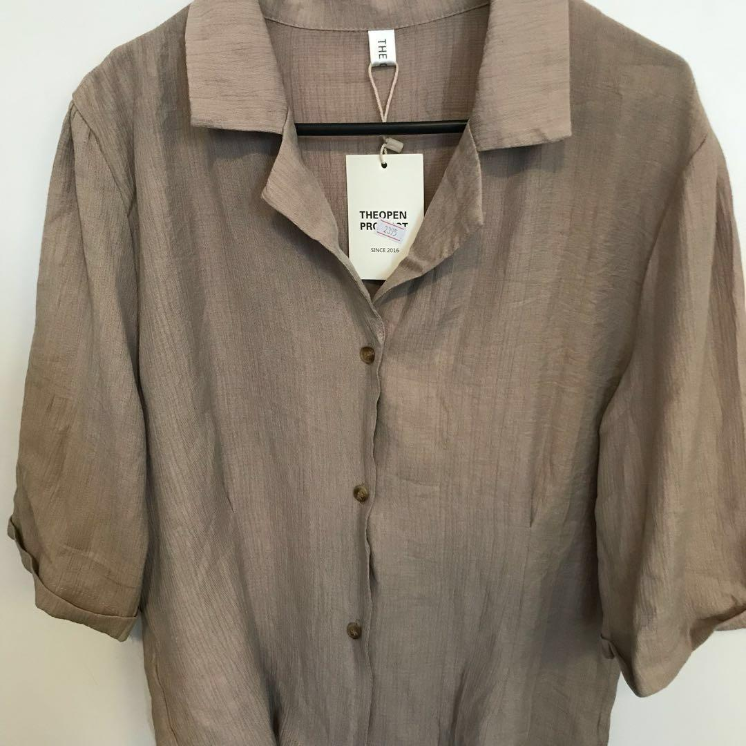 Brand-new button up blouse