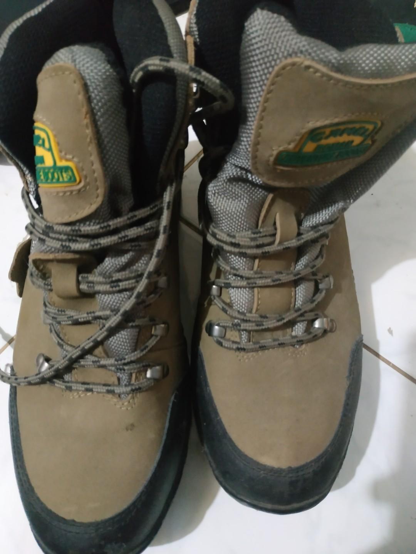 CAMEL ROMAN - ADVENTURE BOOTS (SEPATU HIKING) 0e2e503548