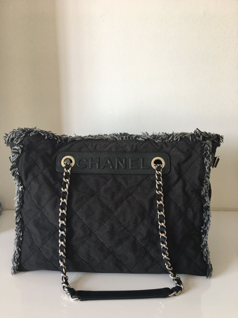3ce53210d973 Chanel Limited Edition Toto Chain Shoulder Bag (Open To Trade ...