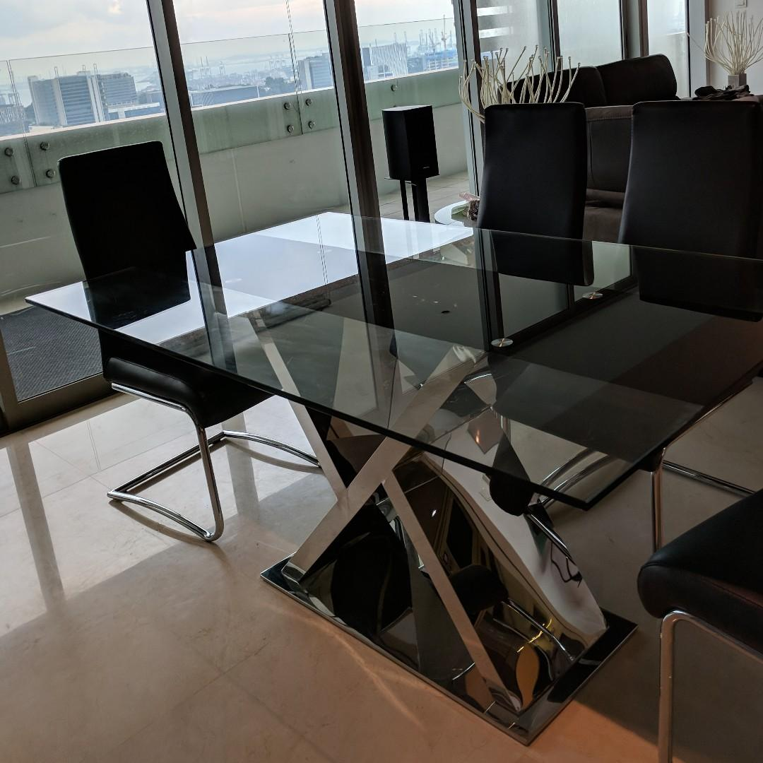 Dining table + 4 chairs from X'cluvise Home