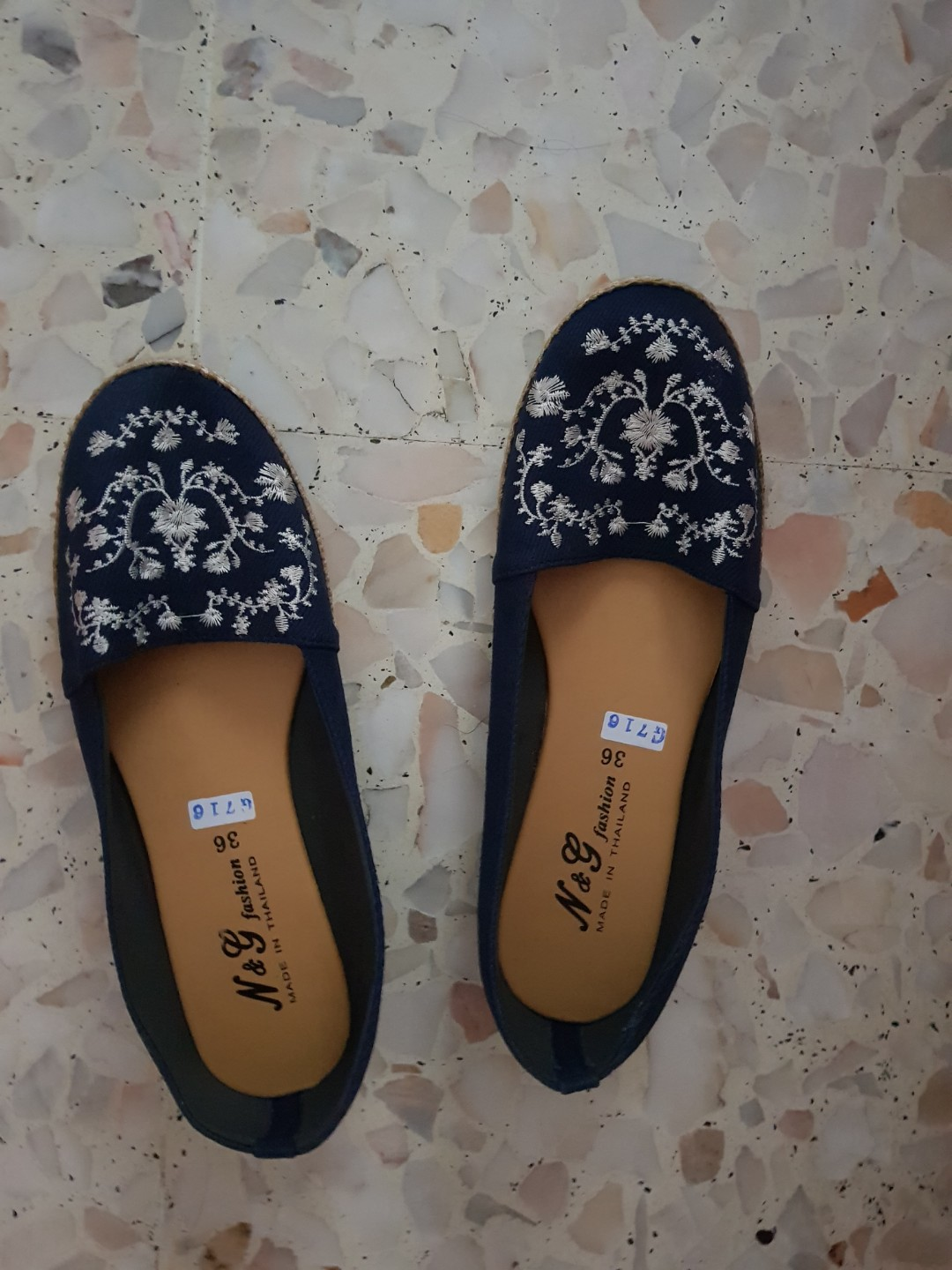 7f92d1470 Embroidery flats, Women's Fashion, Shoes, Flats & Sandals on Carousell