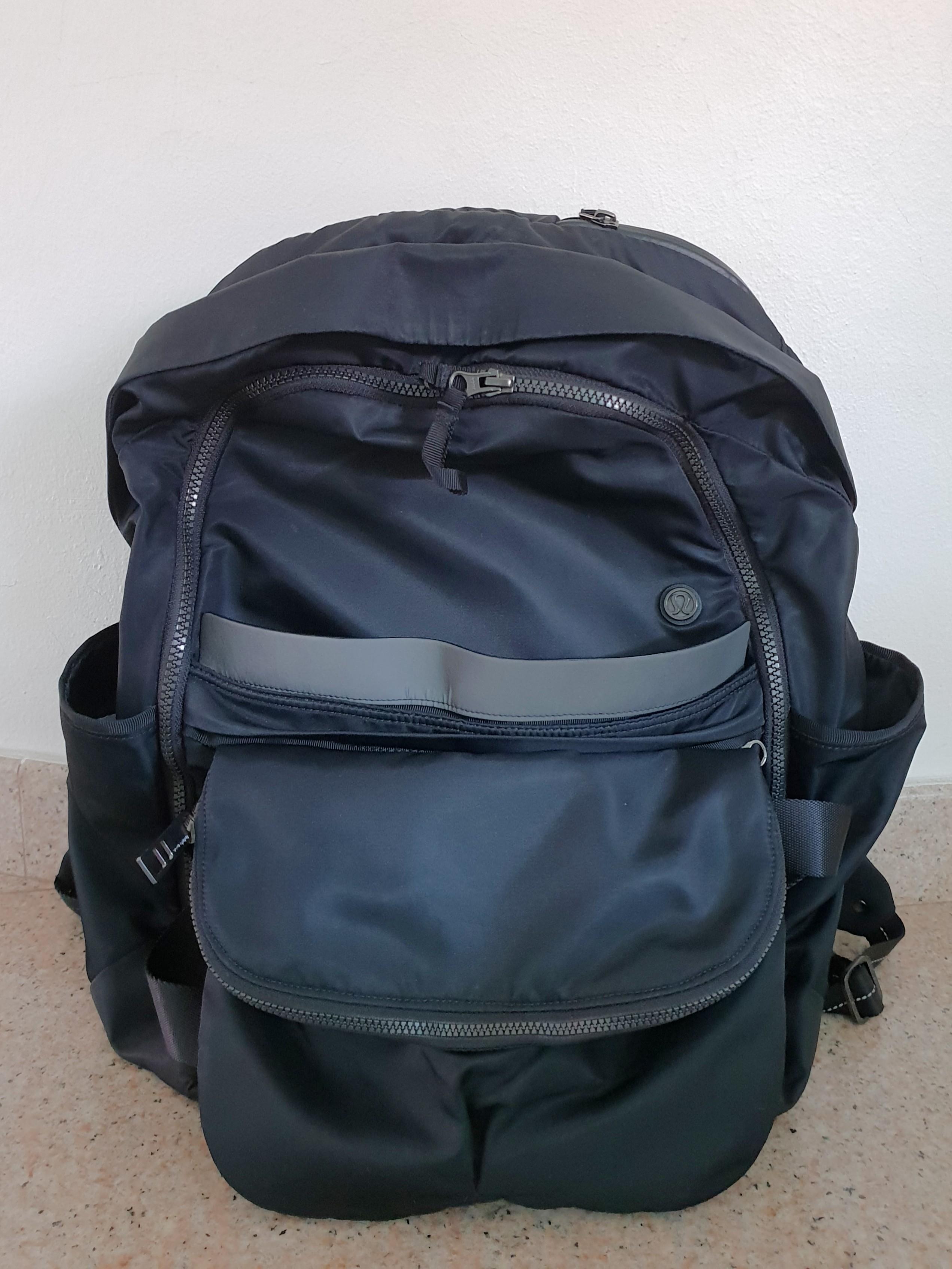 01d24388f10 Lululemon Gym Bags for sale   eBay. Rare Lululemon Messenger Bag Black.