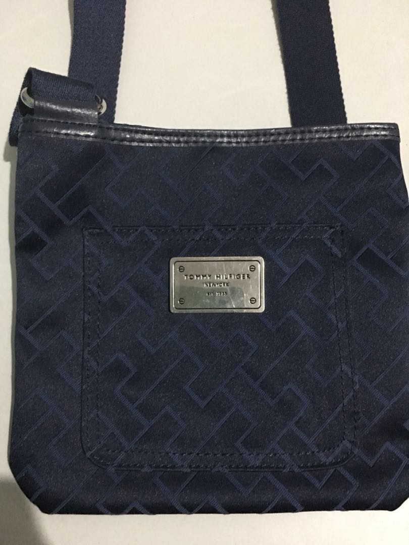 6055d049311 Preloved Tommy Crossbody Bag, Women's Fashion, Bags & Wallets on ...