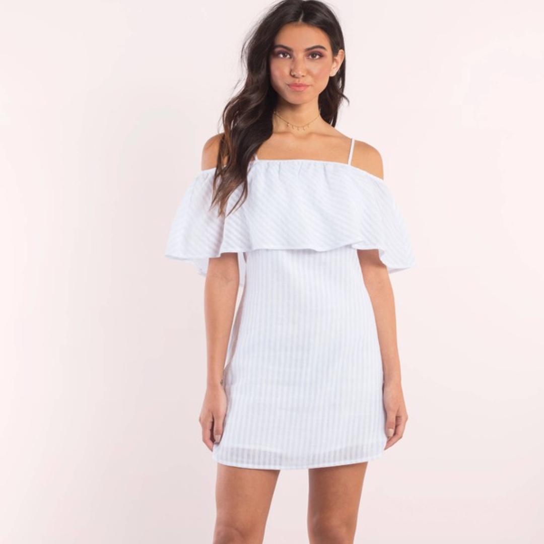 7bc7d9e4bc4 ShopTobi Sandra Striped Cold Shoulder Shift Dress