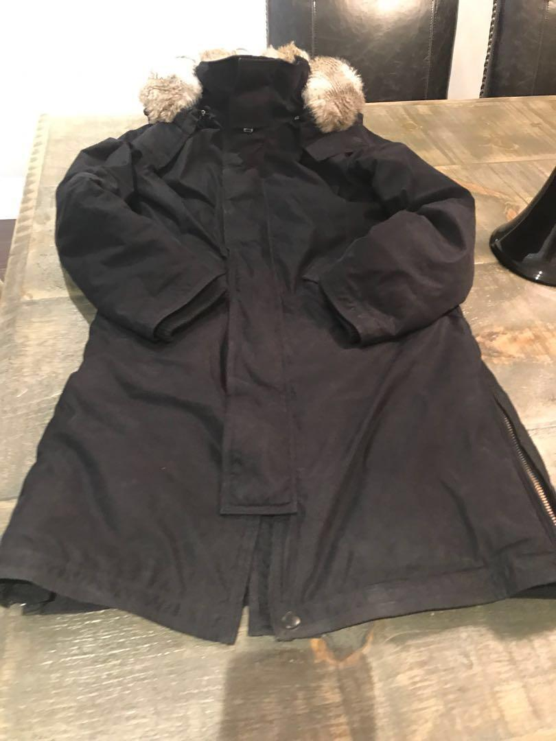 TNA jacket xs black with added faux fur inside!!! Removable hood.