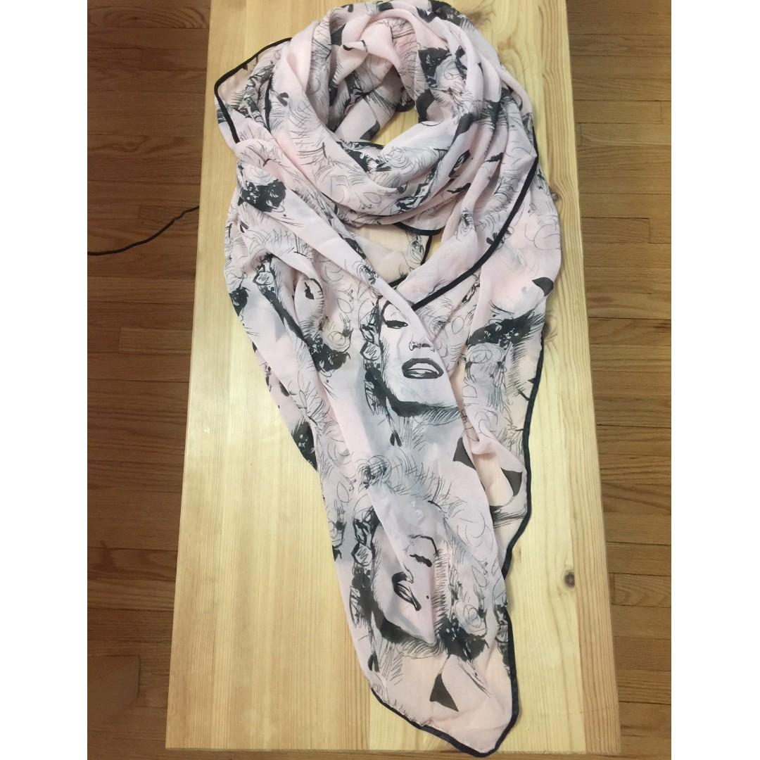 Women silk scarf patterns with Marilyn Monroe's face
