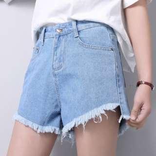 ulzzang light denim raw edge shorts